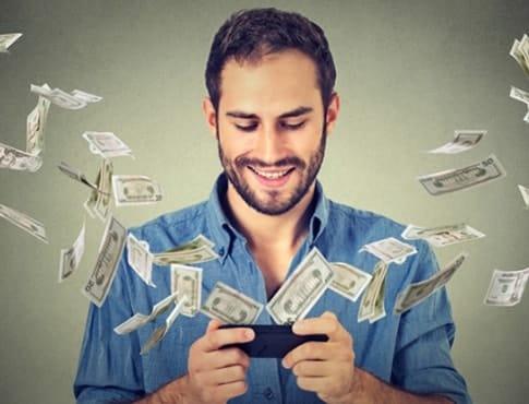 Получение денег и бонусов из мобильного игрового автомата