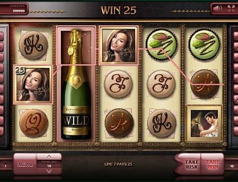 Призовая комбинация символов в игровом автомате Macarons